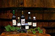 Venda Nova do Imigrante_ES, Brasil...Detalhe de vinhos Familia Tonole...Detail of Familia Tolone wine...Foto: LEO DRUMOND / NITRO