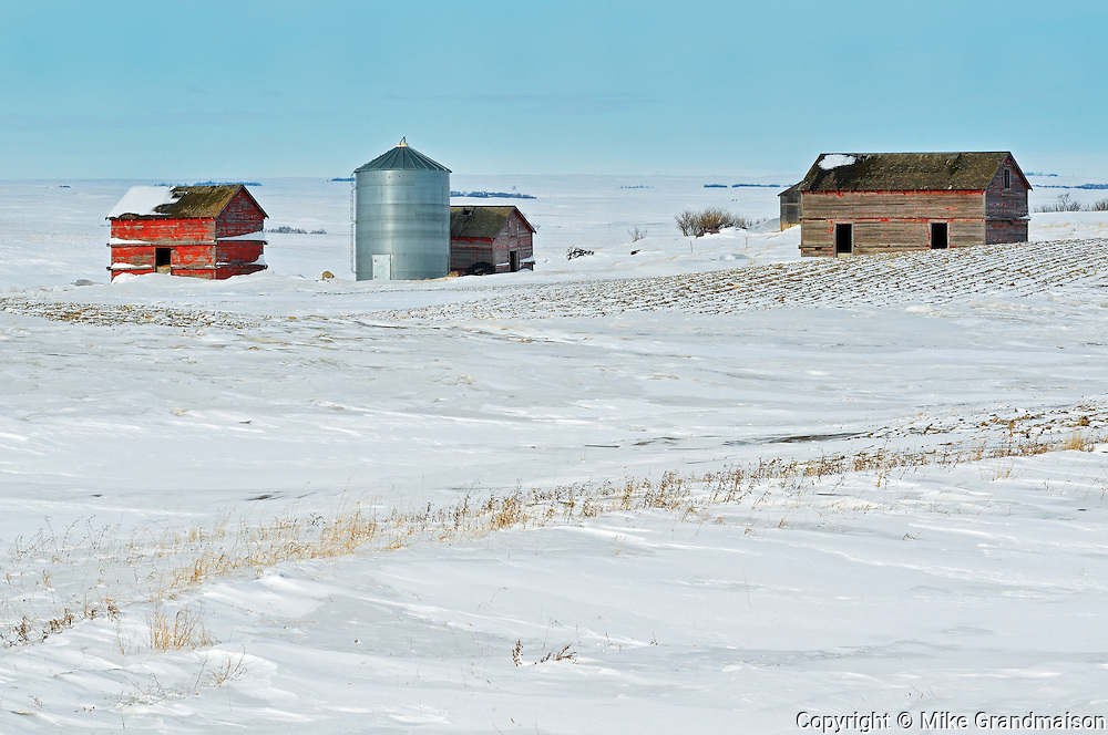 Old farmstead in winter<br /> Viceroy<br /> Saskatchewan<br /> Canada