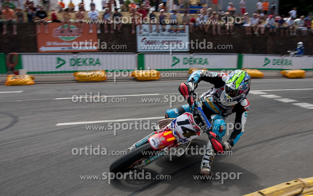 10.07.2010, Wendelinuspark, Sankt Wendel, GER, Supermoto WM, im Bild von links Paolo Gaspardone (ITA), Qualifying, 11er, EXPA Pictures © 2010, PhotoCredit: EXPA/ A. Neis / SPORTIDA PHOTO AGENCY