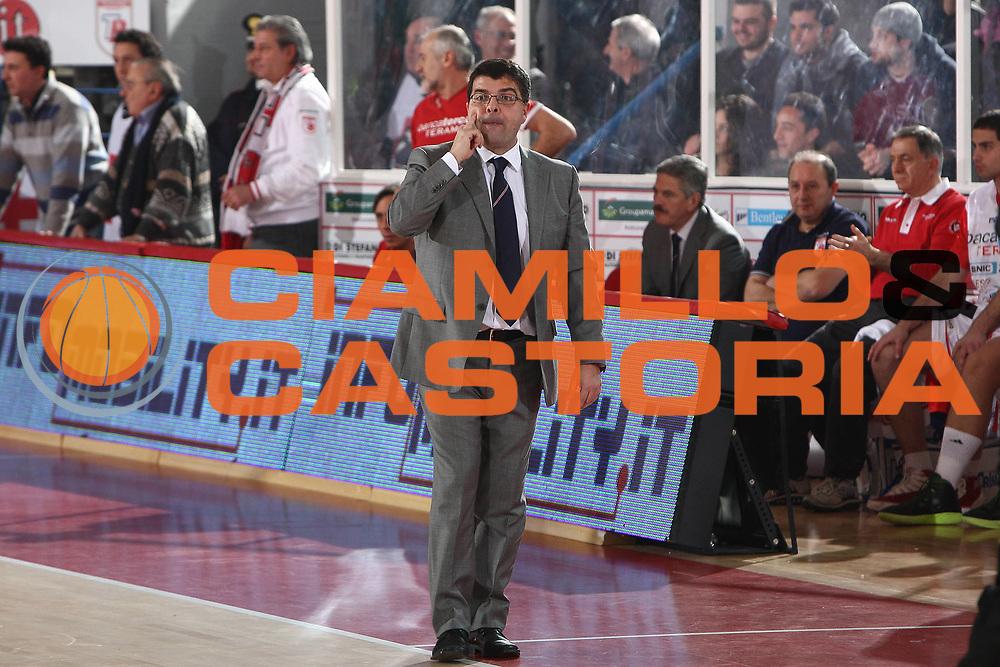 DESCRIZIONE : Teramo Lega A 2010-11 Banca Tercas Teramo Angelico Biella<br /> GIOCATORE : Alessandro Ramagli<br /> SQUADRA : Banca Tercas Teramo<br /> EVENTO : Campionato Lega A 2010-2011<br /> GARA : Banca Tercas Teramo Angelico Biella<br /> DATA : 30/01/2011<br /> CATEGORIA : coach<br /> SPORT : Pallacanestro<br /> AUTORE : Agenzia Ciamillo-Castoria/C.De Massis<br /> Galleria : Lega Basket A 2010-2011<br /> Fotonotizia : Teramo Lega A 2010-11 Banca Tercas Teramo Angelico Biella<br /> Predefinita :