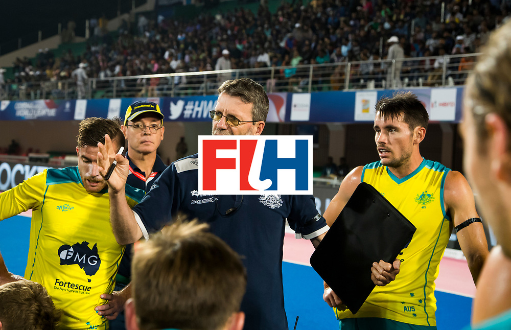BHUBANESWAR -  coach Colin Batch (Aus) met rechts Mark Knowles (Aus). Hockey World League finals , Quarter Finals . Spanje-Australie (1-4)  COPYRIGHT KOEN SUYK
