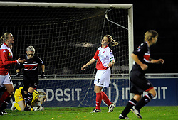 12-11-2009 VOETBAL: FC UTRECHT -AZ VROUWEN: UTRECHT<br /> Utrecht verliest met 1-0 van AZ / Anouk Hoogendijk<br /> ©2009-WWW.FOTOHOOGENDOORN.NL