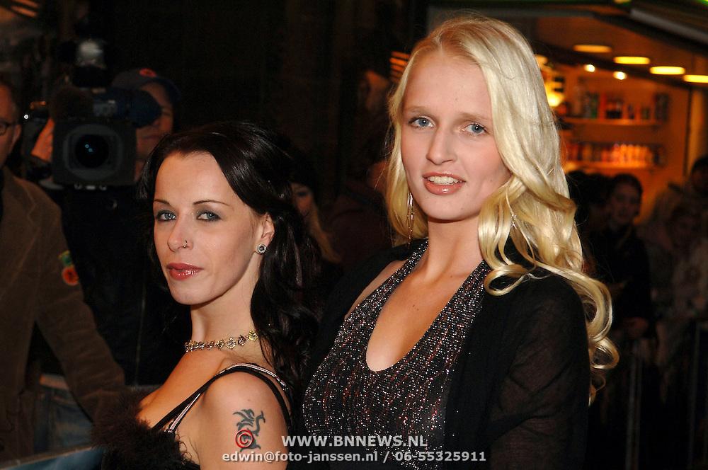NLD/Amsterdam/20051121 - Premiere Harry Potter en de Vuurketel, Idols kandidaat Marlies en vriendin