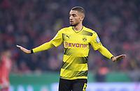 Fussball  DFB Pokal  Achtelfinale  2017/2018   FC Bayern Muenchen - Borussia Dortmund        20.12.2017 Jeremy Toljan (Borussia Dortmund)
