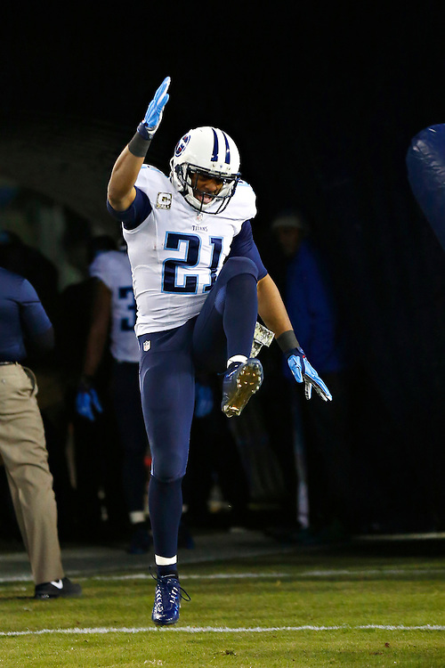 NASHVILLE, TN - NOVEMBER 17:  George Wilson #21 of the Tennessee Titans comes onto the field before a game against the Pittsburgh Steelers at LP Field on November 17, 2014 in Nashville, Tennessee.  The Steelers defeated the Titans 27-24.  (Photo by Wesley Hitt/Getty Images) *** Local Caption *** George Wilson