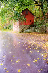 Old barn near the Cutalossa Inn, Lumberville, Pennsylvania, USA