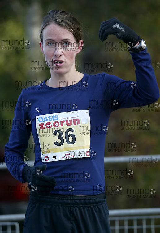 "(Toronto, Ontario -- 17 Oct 2009) Malindi Elmore after running to victory in the 2009 OASIS Zoo Run 10K run and Athletics Canada national 10 km road racing championship at the Toronto Zoo. [Photo credit should read ""Sean Burges / Mundo Sport Images""]"