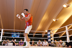07.06.2011, Stanglwirt, Going, AUT, Wladimir Klitschko, Training, im Bild Wladimir Klitschko Schattenboxen im Ringduring a training session at Hotel Stanglwirt, Going, Austria on 7/6/2011. EXPA Pictures © 2011, PhotoCredit: EXPA/ J. Groder