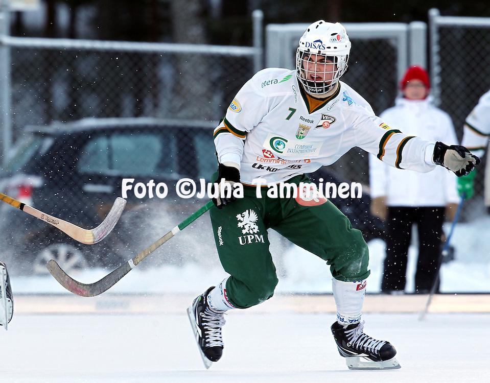 20.1.2013, Pori. .Bandyliiga 2012-13, runkosarja..Narukerä - Veiterä.Ville Utti - Veiterä..