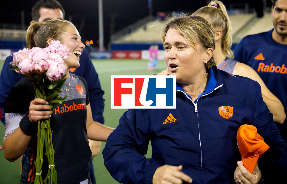 AUCKLAND - Sentinel Hockey World League final women<br /> Match id: 10305<br /> 16 NED v CHina (QF)<br /> Foto: Xan de Waard  100e match and Alyson ANNAN Head Coach <br /> WORLDSPORTPICS COPYRIGHT FRANK UIJLENBROEK
