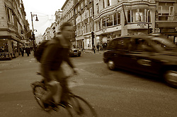 UK ENGLAND LONDON 23NOV11 - Street scene in the West End, central London.....jre/Photo by Jiri Rezac....© Jiri Rezac 2011