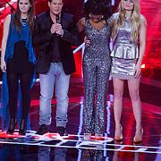 NLD/Amsterdam/20121130 - 4e liveshow The Voice of Holland 2012, Tessa Belinfante, Martijn Krabbe, Leona Philippo en Sandra van Nieuwland