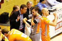 20141029 BEL: Eredivisie, Callant Antwerpen - Volley Behappy2 Asse - Lennik: Antwerpen<br />Johan Devoghel head coach of Volley behappy2 Asse - Lennik, Dirk Sparidans (7) of Volley behappy2 Asse - Lennik<br />©2014-FotoHoogendoorn.nl / Pim Waslander