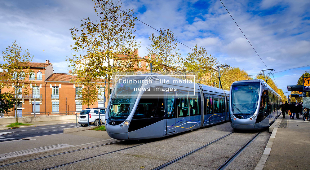 Toulouse trams at the Palais de Justice in Toulouse, France<br /> <br /> (c) Andrew Wilson   Edinburgh Elite media