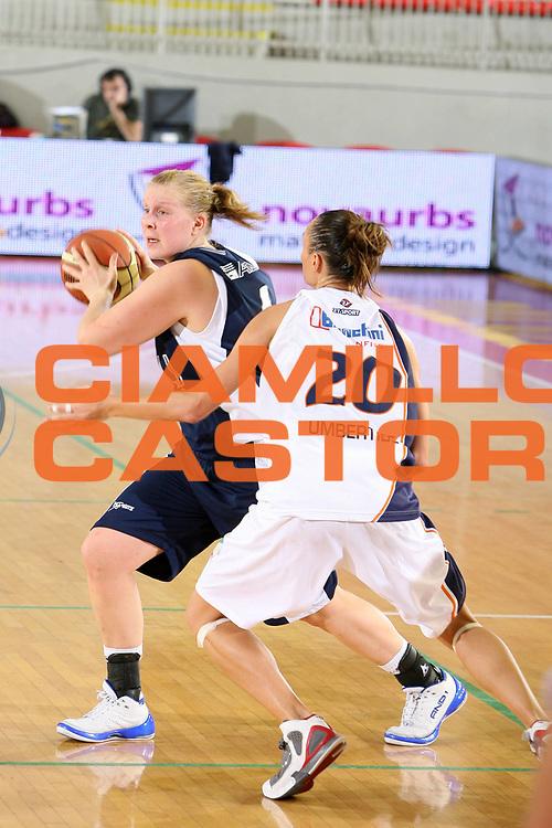 DESCRIZIONE : Roma Lega A1 Femminile 2008-09 Prima giornata Campionato Liomatic Umbertide Napoli Basket Vomero<br /> GIOCATORE : Niina Laaksonen<br /> SQUADRA : Napoli Basket Vomero<br /> EVENTO : Campionato Lega A1 Femminile 2008-2009 <br /> GARA : Liomatic Umbertide Napoli Basket Vomero<br /> DATA : 12/10/2008 <br /> CATEGORIA : <br /> SPORT : Pallacanestro <br /> AUTORE : Agenzia Ciamillo-Castoria/E.Castoria