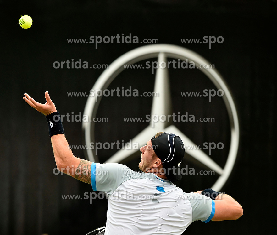 10.06.2015, Tennis Club Weissenhof, Stuttgart, GER, ATP Tour, Mercedes Cup Stuttgart, im Bild Sam Groth (AUS) Aktion Aufschlag vor Mercedes Logo Stern Mercedesstern <br />