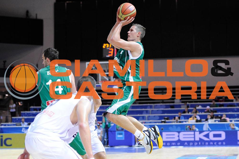 DESCRIZIONE : Klaipeda Lithuania Lituania Eurobasket Men 2011 Preliminary Round Belgio Slovenia Belgium Slovenia<br /> GIOCATORE : Jaka Lakovic<br /> SQUADRA : Slovenia<br /> EVENTO : Eurobasket Men 2011<br /> GARA : Belgio Slovenia Belgium Slovenia<br /> DATA : 04/09/2011<br /> CATEGORIA : tiro<br /> SPORT : Pallacanestro <br /> AUTORE : Agenzia Ciamillo-Castoria/C.De Massis<br /> Galleria : Eurobasket Men 2011<br /> Fotonotizia : Klaipeda Lithuania Lituania Eurobasket Men 2011 Preliminary Round Belgio Slovenia Belgium Slovenia<br /> Predefinita :