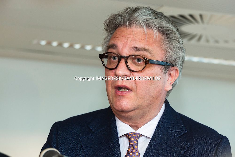 2011-12-06, Brussels, Belgium,Prince Laurent of Belgium, and the Prince Laurent Fondation opens temporary shelters in Brussels for homeless with dogs.   on this picture Prince Laurent