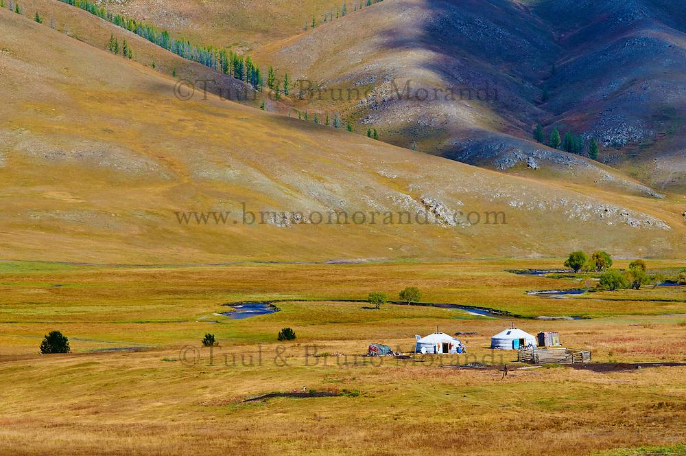 Mongolie, Asie Centrale, Region d'Arkhangai, Campement de yourte // Mongolia, Central Asia, Arkhangai Province, camp of nomads, yourte