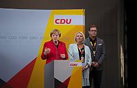 DEU, Deutschland, Germany, Wismar, 19.09.2017: Wahlveranstaltung der CDU mit Bundeskanzlerin Dr. Angela Merkel und Karin Strenz (MdB, CDU) in der Markthalle.