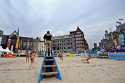 06-06-2010 VOLLEYBAL: JIBA GRAND SLAM BEACHVOLLEYBAL: AMSTERDAM<br /> In een koninklijke ambiance streden de nationale top, zowel de dames als de heren, om de eerste Grand Slam titel van het seizoen bij de Jiba Eredivisie Beach Volleyball - Sanne Keizer Marleen van iersel vs. Inge Boersma en Charlotte Hermans<br /> ©2010-WWW.FOTOHOOGENDOORN.NL