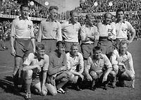 Fotball<br /> Sverige<br /> Foto: Colorsport/Digitalsport<br /> NORWAY ONLY<br /> <br /> Sweden's team during the World Championship 1958<br /> Lagbilde Sverige 1958<br /> <br /> Back row (left to right): Liedholm, Simonsson, Parling, Skoglund, Gren, Gustavsson.<br /> Front row: Bergmark, Svensson, Axbom, Hamrin, Mellberg<br /> <br /> Lagbilde Sverige