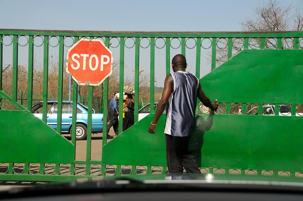 Border Station to Victoria Falls, Zimbabwe, Livingstone, Southern Province, Zambia
