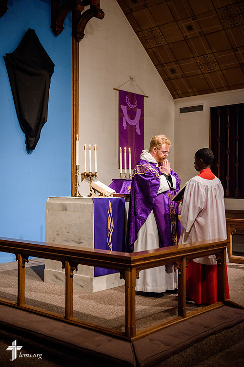 The Rev. Roy Axel Coats, pastor of Lutheran Church of the Redeemer, Baltimore, leads worship on Palm Sunday, March 25, 2018. LCMS Communications/Erik M. Lunsford