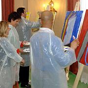 NLD/Amsterdam/20060210 - Bekende Nederlanders schilderen voor de veiling van de stichting Lezen en Schrijven,