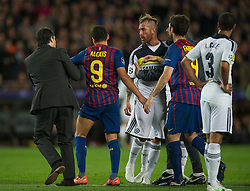 24.04.2012, Stadion Camp Nou, Barcelona, ESP, UEFA CL, Halblfinal-Rueckspiel, FC Barcelona (ESP) vs FC Chelsea (ENG), im Bild FC Barcelona's Alexis Sanchez is pulled away from Chelsea's Raul Meireles during the UEFA Championsleague Halffinal 2st Leg Match, between FC Barcelona (ESP) and FC Chelsea (ENG), at the Camp Nou Stadium, Barcelona, Spain on 2012/04/24. EXPA Pictures © 2012, PhotoCredit: EXPA/ Propagandaphoto/ David Rawcliff..***** ATTENTION - OUT OF ENG, GBR, UK *****