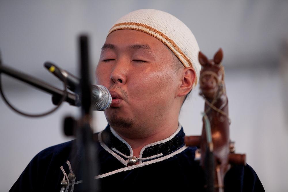 Bady-Dorzhu Ondar of the Tuvan throat-singing group Alash at the Lowell Folk Festival, 25 July 2009.