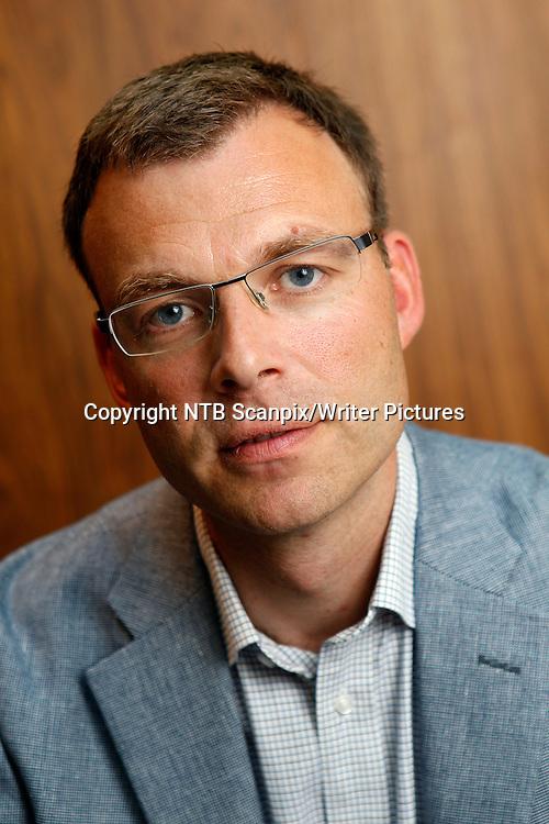 Oslo  20110823.<br /> Carl Emil Vogt fotografert p&Acirc; Cappelen Damm forlag tirsdag. Vogt er i h&macr;st aktuell med &quot;Et liv&quot;, biografien om Fridtjof Nansen.<br /> Foto: Erlend Aas / Scanpix<br /> <br /> NTB Scanpix/Writer Pictures<br /> <br /> WORLD RIGHTS, DIRECT SALES ONLY, NO AGENCY