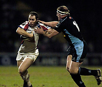 Photo: Jed Wee.<br /> Leeds Tykes v Bristol Rugby. Guinness Premiership. 10/02/2006.<br /> <br /> Bristol's Shaun Perry (L) tries to get away from Leeds' Mike Shelley.