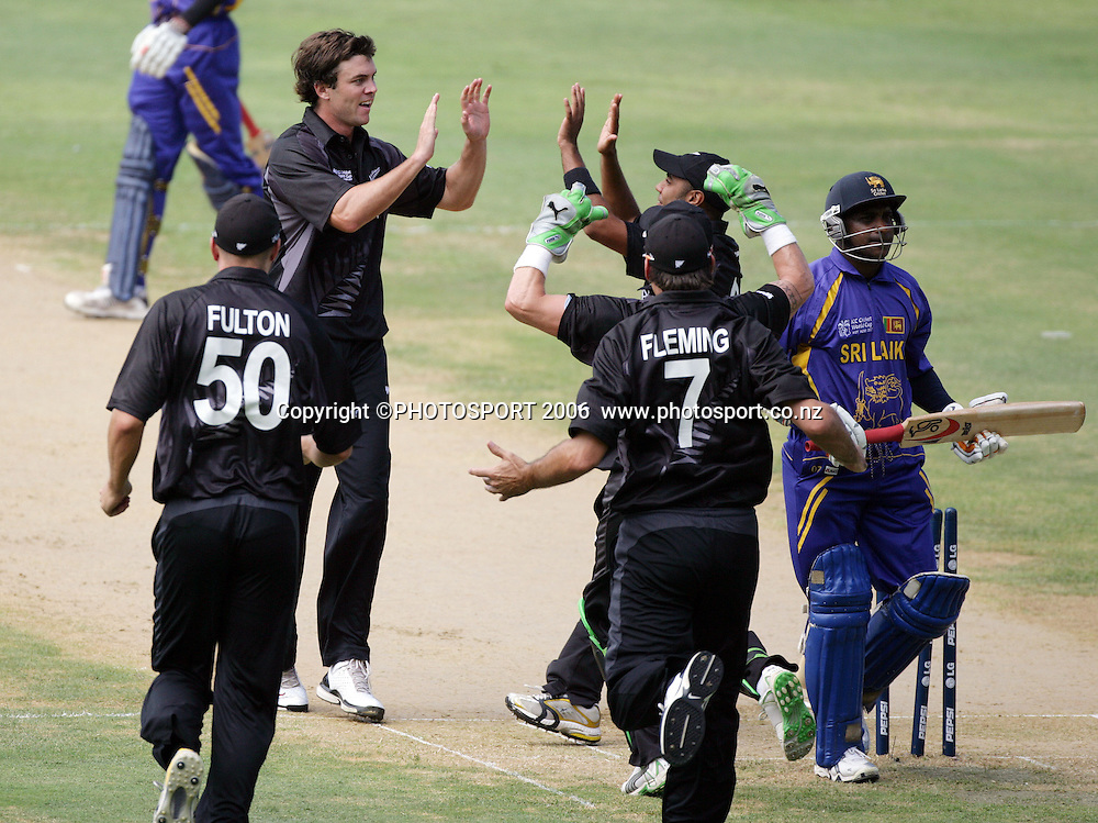 James Franklin celebrates the dismissal of Sanath Jayasuriya during the ICC Cricket World Cup Semi Final 1 match between New Zealand and Sri Lanka at Sabina Park, Jamaica West Indies on Tuesday 24 April 2007. Photo: Andrew Cornaga/PHOTOSPORT<br />