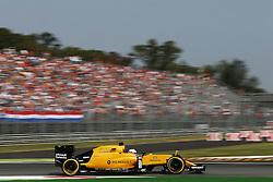 Kevin Magnussen (DEN) Renault Sport F1 Team RS16.<br /> <br />  bei den Vorbereitungen zum GP von Italien 2016 in Monza<br /> <br /> / 020916<br /> <br /> *** Formula One Grand Prix of Italy on September 2, 2016 in Monza, Italy. ***