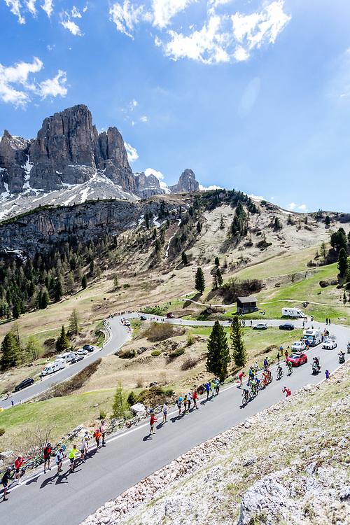 Giro D'Italia 2017 stage 18 (Moena - Ortisei, 137km)<br /> <br /> The break in Passo Gardena<br /> <br /> Photo: Tornanti.cc