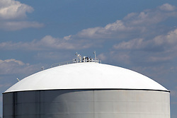 Steel storage tank for petroleum products