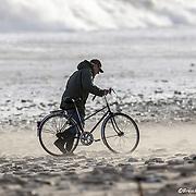 Windsurf lors de la tempete Petra a rivedoux dans l'ile de Ré