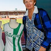 NLD/Amsterdam/20180503 - Beste Vriend Andere Tijden Sport en Olympisch Stadion, Betty Stove met haar originele tenniskleding
