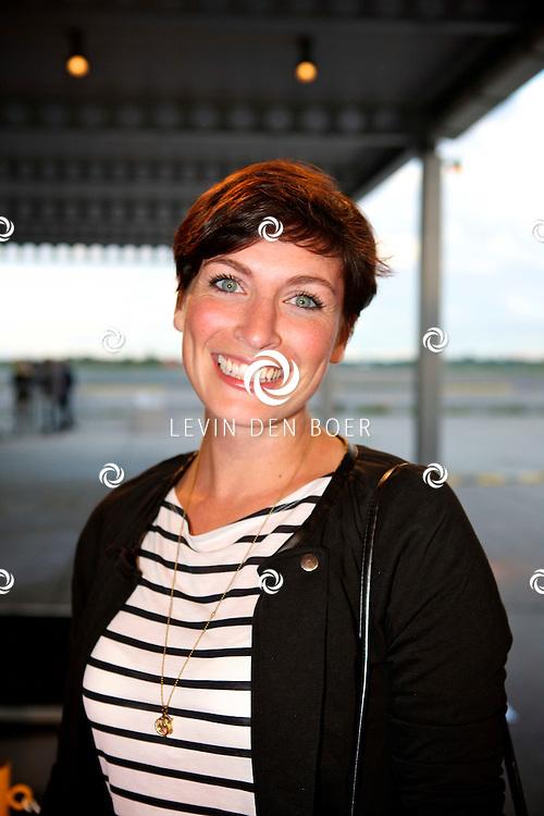 KATWIJK - Op vliegbasis Valkenburg hield Soldaat van Oranje een tweede premiere ter gelegenheid van een nieuwe Cast.  Met op de foto Vivienne van den Assem. FOTO LEVIN DEN BOER - PERSFOTO.NU