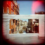 Italie, Venise, Dorsoduro..Travaux sur un pont..© Jean-Patrick Di Silvestro