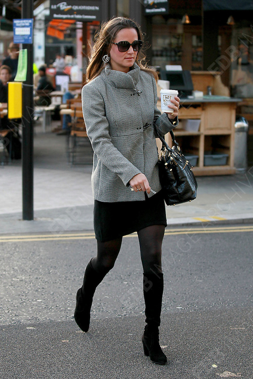 02.NOVEMBER.2011. LONDON<br /> <br /> PIPPA MIDDLETON ARRIVES FOR WORK<br /> <br /> BYLINE: EDBIMAGEARCHIVE.COM<br /> <br /> *THIS IMAGE IS STRICTLY FOR UK NEWSPAPERS AND MAGAZINES ONLY*<br /> *FOR WORLD WIDE SALES AND WEB USE PLEASE CONTACT EDBIMAGEARCHIVE - 0208 954 5968*