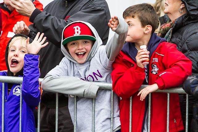 young race fans