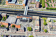 Nederland, Noord-Brabant, Den Bosch, 13-05-2019; NS station Den Bosch en omgeving. Stationsweg, Statiosnplein, Oranje Nassaulaan. Leonardo Da Vinciplein.<br /> Railway station Den Bosch and surroundings.<br /> luchtfoto (toeslag op standard tarieven);<br /> aerial photo (additional fee required);<br /> copyright foto/photo Siebe Swart