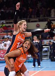 06-01-2016 TUR: European Olympic Qualification Tournament Turkije - Nederland, Ankara<br /> Nederland wint met 3-0 van Turkije / Nederland viert feest na de fantastische 3-0 overwinning op Turkije. Laura Dijkema #14, Celeste Plak #4