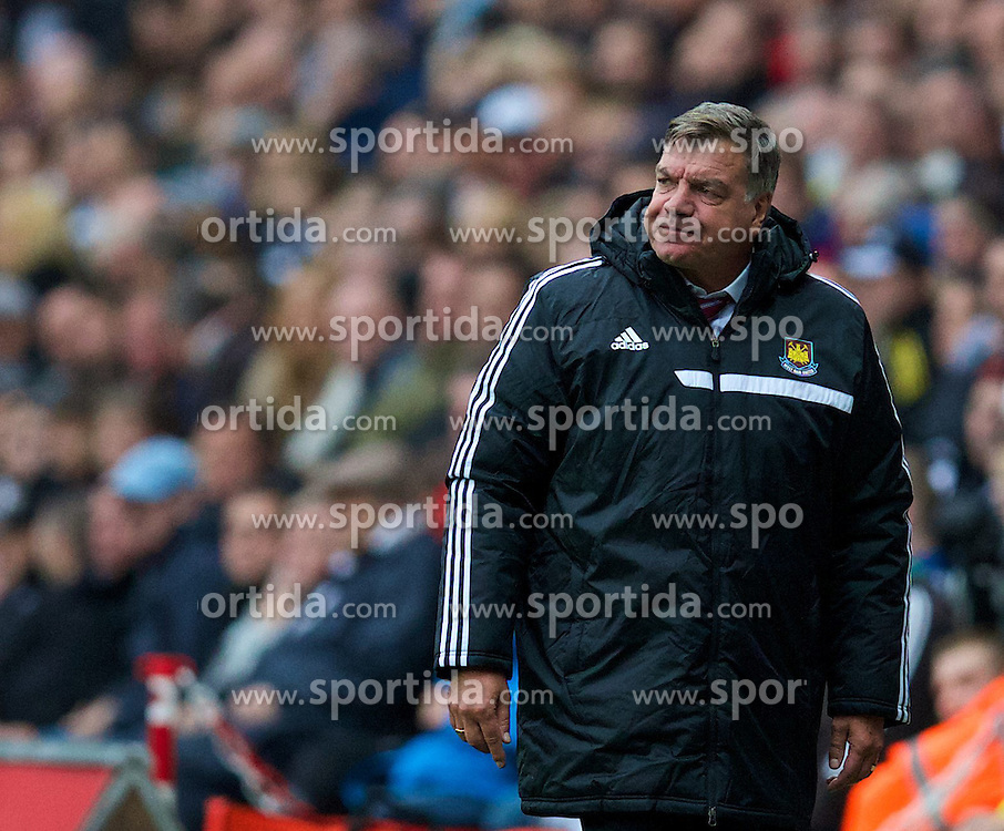 27.10.2013, Liberty Stadion, Swansea, ENG, Premier League, Swansea City vs West Ham United, 09. Runde, im Bild West Ham United's manager Sam Allardyce // during the English Premier League 09th round match between Swansea City AFC and West Ham United at the Liberty Stadion in Swansea, Great Britain on 2013/10/27. EXPA Pictures &copy; 2013, PhotoCredit: EXPA/ Propagandaphoto/ David Rawcliffe<br /> <br /> *****ATTENTION - OUT of ENG, GBR*****