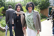CHERYL HOWARD; NANCY DELL D'OLIO, Press and VIP viewing day. Chelsea Flower show, Royal Hospital Grounds. Chelsea. London. 18 May 2009