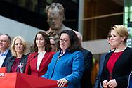 Andrea Nahles / SPD Vorsitzende bei einer Pressekonferenz in Berlin  / daneben stehend  Manuela Schwesig, Justizministerin Katharina Barley,,Familienministerin Franziska Giffey/  05112018, Deutschland